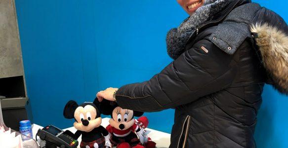 Hoe verslaafd kun je zijn aan Mickey Mouse?