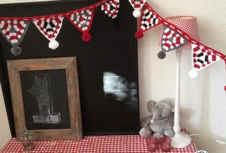 Een gehaakte feestelijke slinger van granny squares (haakblog 38)