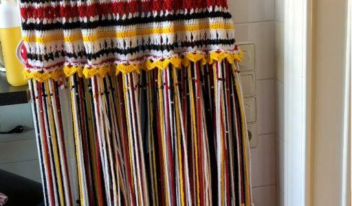 aan de haak blog 60 een gordijntje voor een handdoekenrek