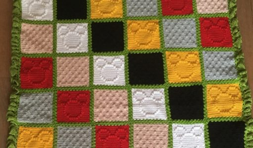 aan de haak blog 7 een Mickey Mouse deken van katoen klaar