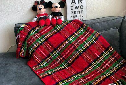 Een gehaakte Schotse ruit deken (haakblog 77)