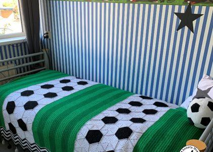 Een gehaakte voetbaldeken (haakblog 8)