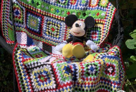 Een gehaakte granny square variatie deken (haakblog 92)