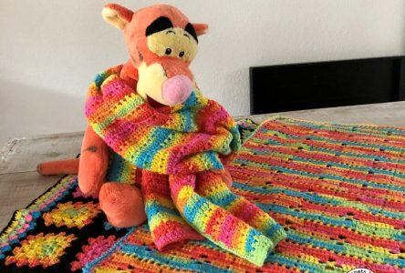 Gehaakte dekens en sjaal van regenbooggaren (haakblog 79)