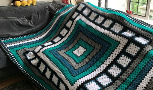 een stoere gehaakte granny square deken haakblog 118-72